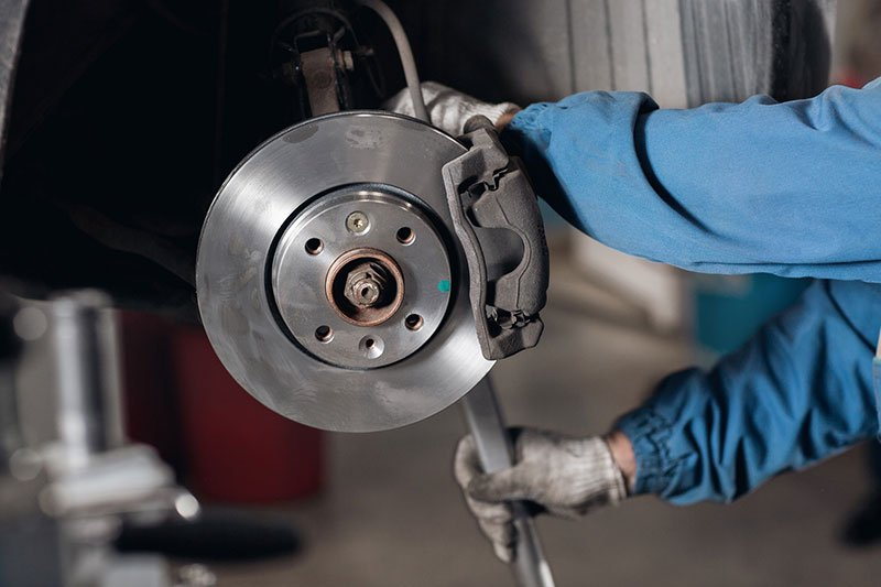 Best Brakes for Duramax Reviews & Buying Guide